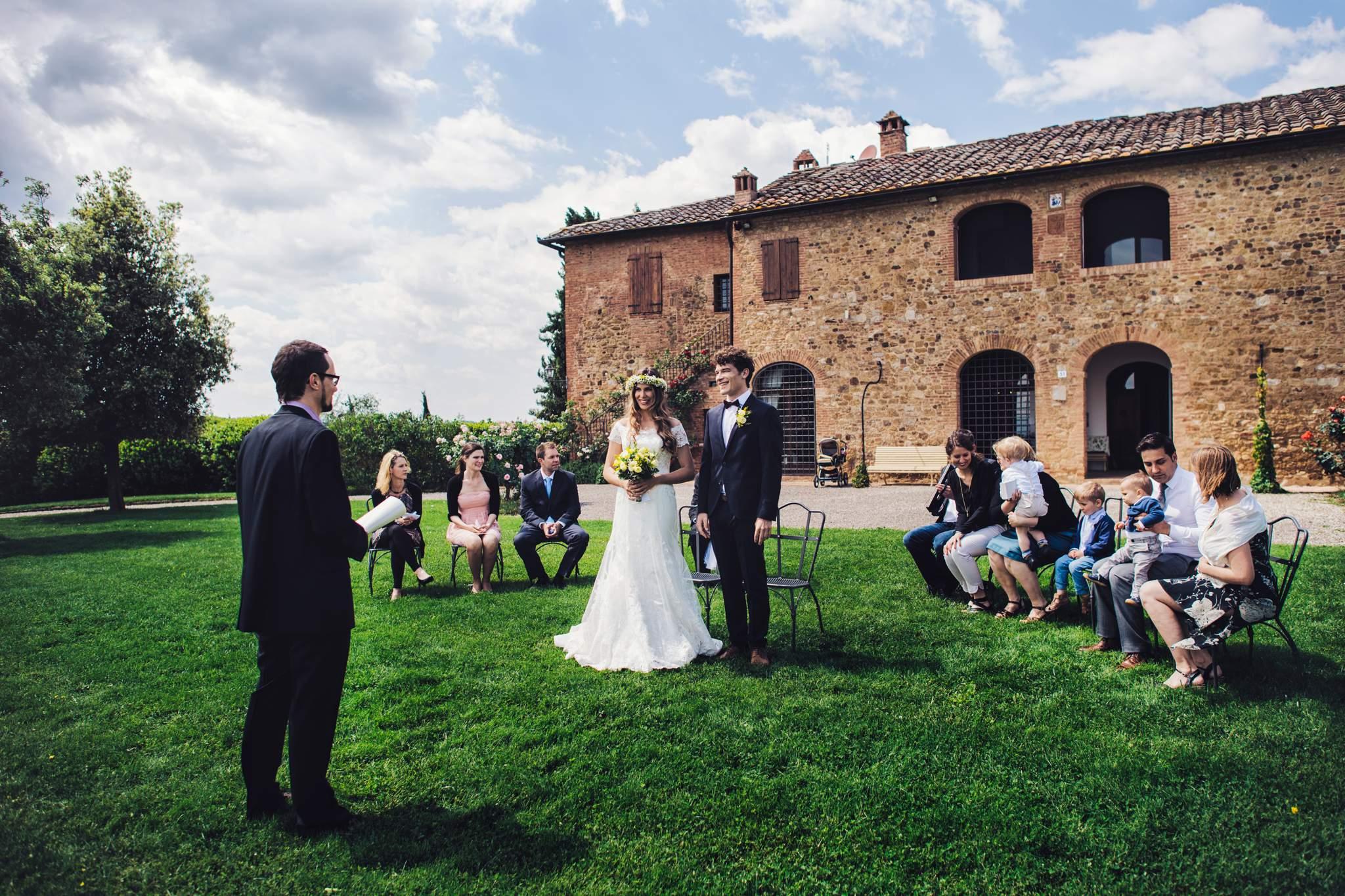 14wedding-photographer-tuscany-siena