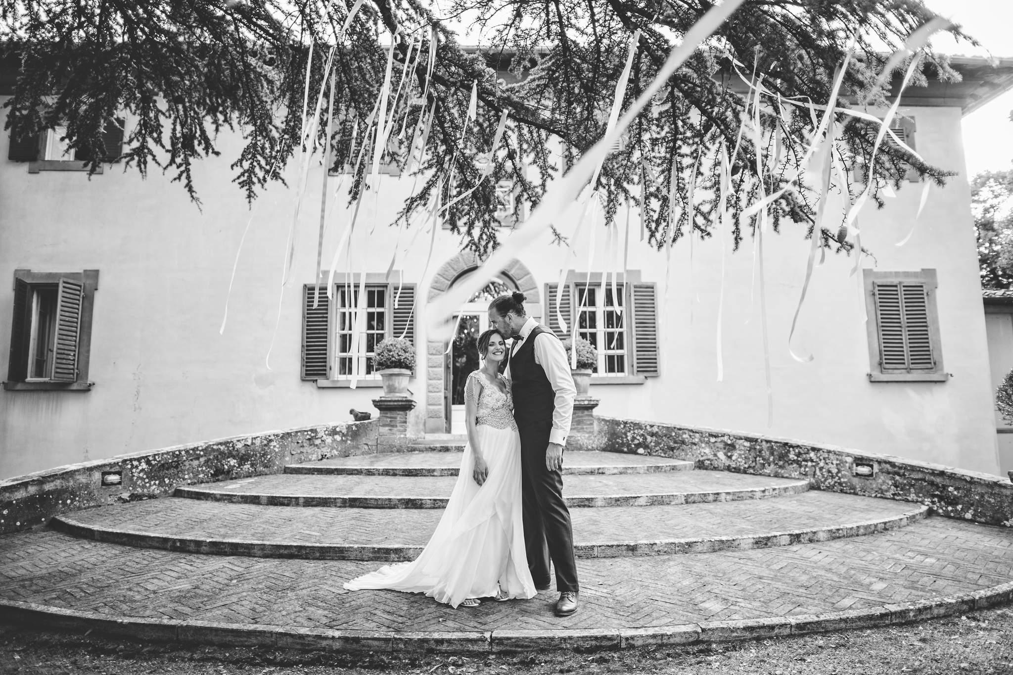 28wedding-photographer-villa-petrolo