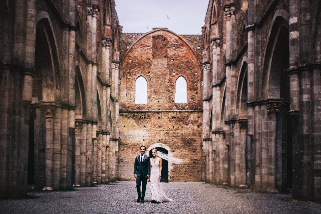 wedding photographer in san galgano tuscany14