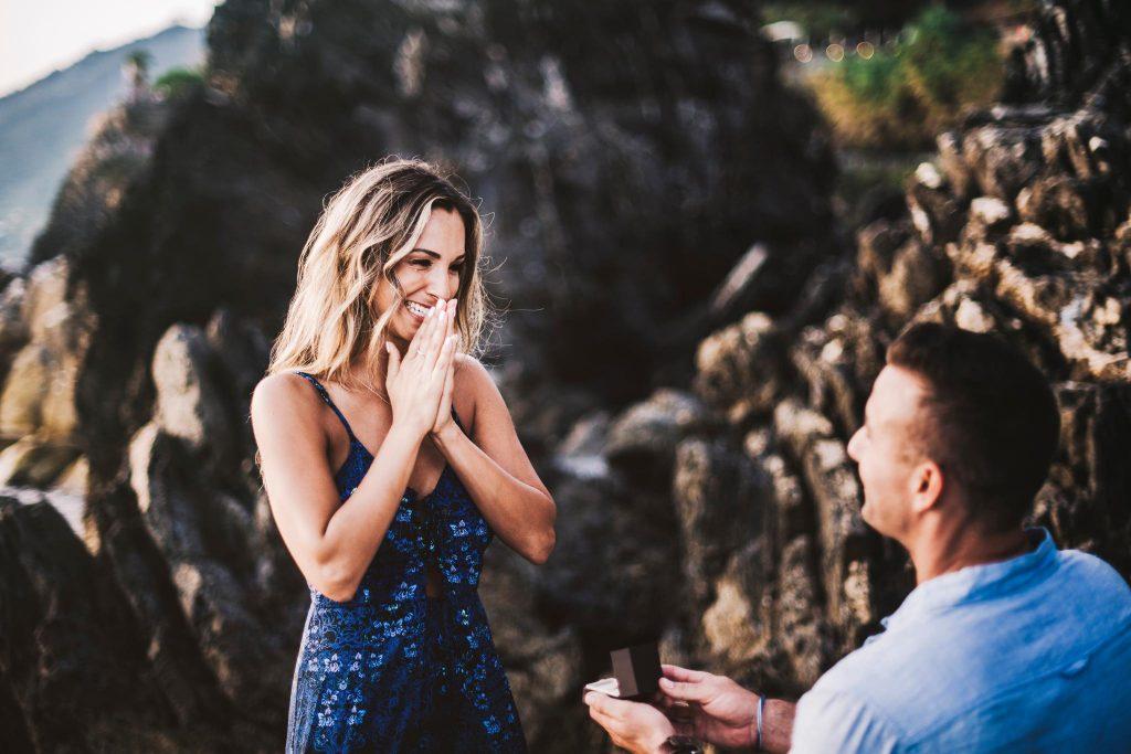 20engagement manarola cinque terre riccardo pieri wedding photographer